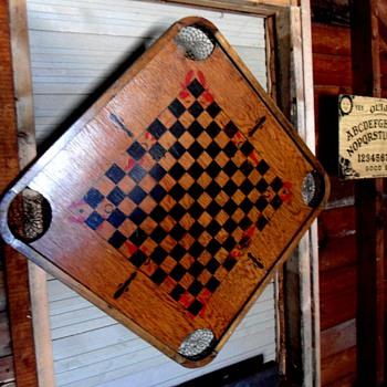 Old Checker board - Games