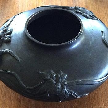 Bronze bowl - Art Nouveau