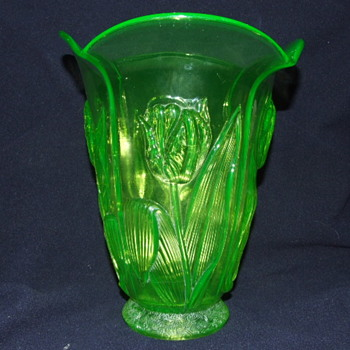 Unusual Uranium Glass Barolac Tulip Vase - Art Glass