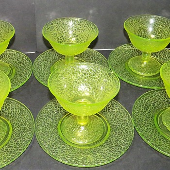 LE Smith Vaseline Glass Sherbet Dish and Saucer - Glassware