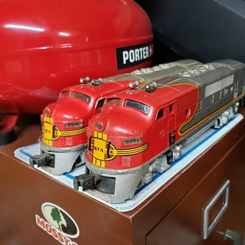Diesels on parade! - Model Trains