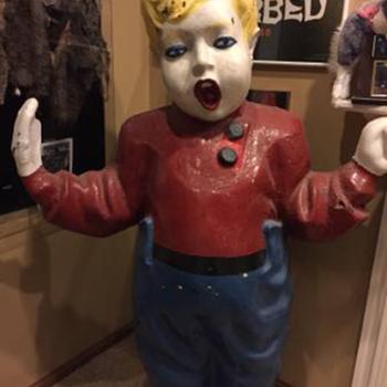 Big boy Statue? - Advertising
