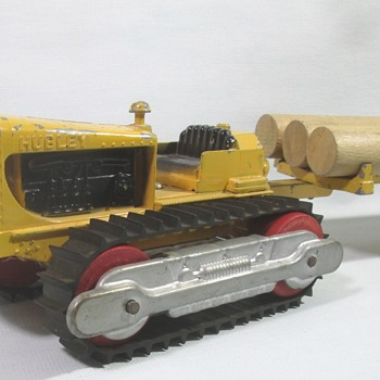 Hubley Crawler with Log Trailer - Model Cars