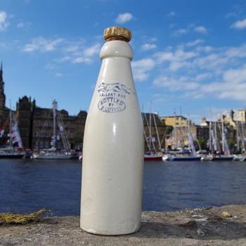 G COVELL NEWBIGGIN-BY-THE SEA GALLANT FOE ALL WHITE GINGER BEER - Bottles