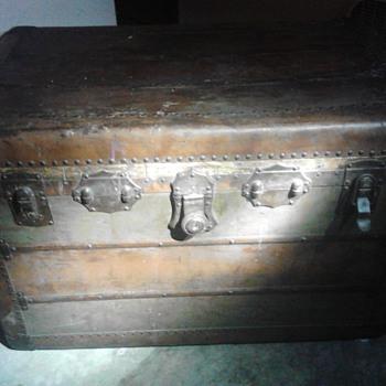 Excelsior trunk air loom - Furniture