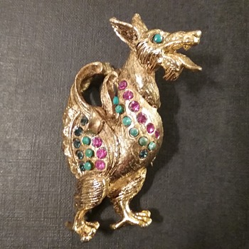 Vendome griffin brooch  - Costume Jewelry