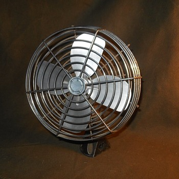 Maradyne Electric 12 Volt Dash Fan For Semi or Bus - Tools and Hardware