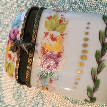 Pretty Limoges Porcelain Box - China and Dinnerware