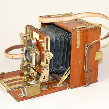 Later Sanderson 1/4 plate Tropical Hand & Stand Camera, C.1935.