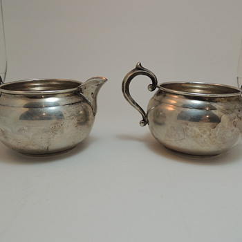 Gorham Sugar Bowl and Creamer Set 909 & 910 - Silver