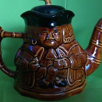 PRICE OF KENSINGTON - Pottery