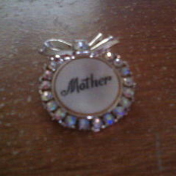 My Mothers pin - Costume Jewelry
