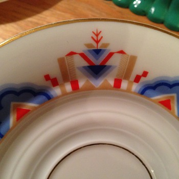 Can you identify this pattern?   Help!  - China and Dinnerware