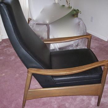 Love my recently inherited Mid Century recliner - Mid-Century Modern