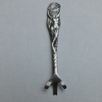 Art Nouveau Figural Sterling Caviar Spoon - Silver
