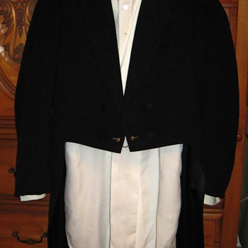 Edwardian Era Tuxedo - Mens Clothing
