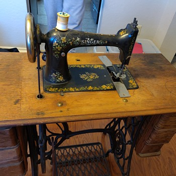 Antique singer sewing machine- best way to clean and restore - Sewing