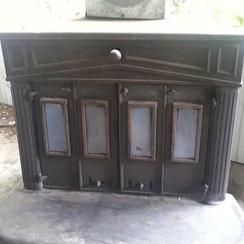 Benjamin Franklin wood burning stove