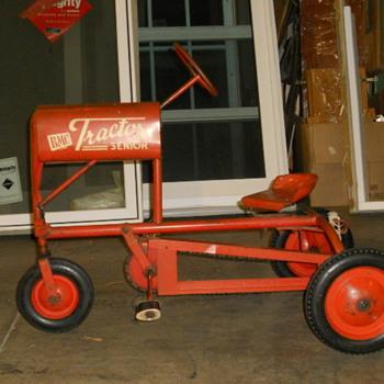 19?? BMC Senior Pedal Tractor - Model Cars