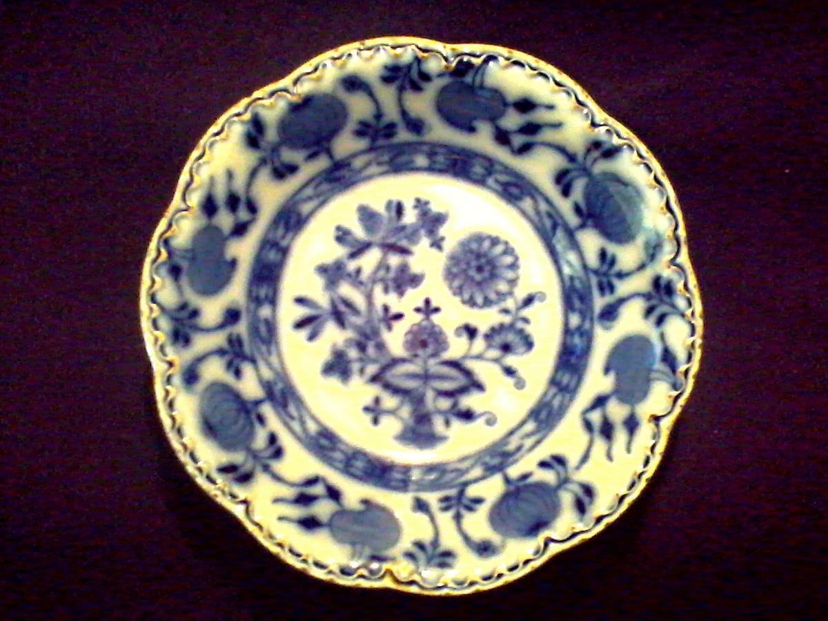 Johnson Bros. England 6  Bowl/ Flow Blue  Holland  Pattern / Circa 1900-1905 | Collectors Weekly & Johnson Bros. England 6