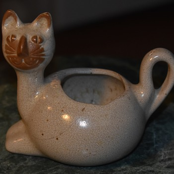 David Stewart Small Cat Planter? - Pottery
