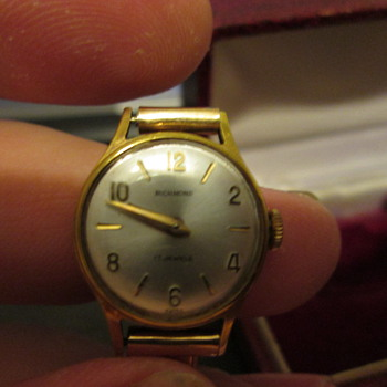 Found wristwatch  - Wristwatches