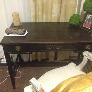 Federalist desk?? - Furniture