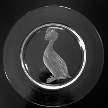 "STEUBEN GLASS-USA "" HORNED GREBE AUDUBON PLATE "" - Art Glass"
