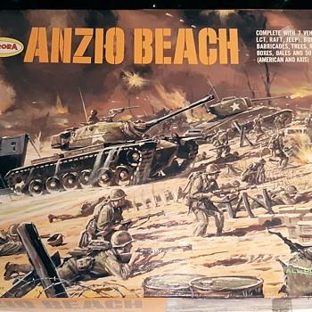 Aurora Anzio Beach Kit and/or Playset 1/87 Scale 1968 - Toys