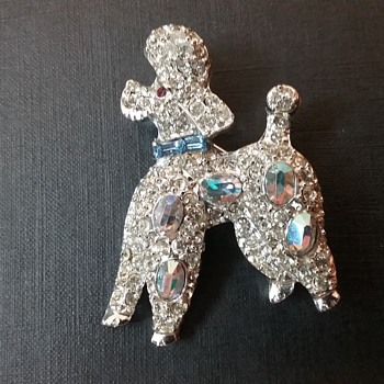 Pell poodle brooch  - Animals