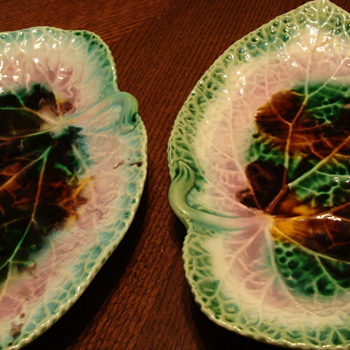 leaf plates - Pottery