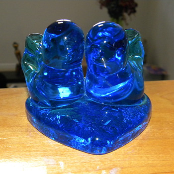 Bluebirds of happinesss by Leo ward - Art Glass