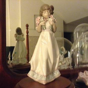 Lladro Figurine - Figurines