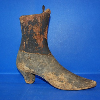 Wood Shoes Form early 1900  - Shoes
