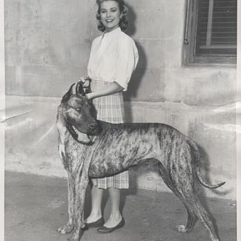 Grace Kelly Candid Photo (1955) - Photographs