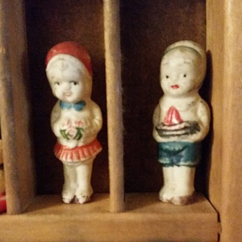 Two small dolls - Dolls