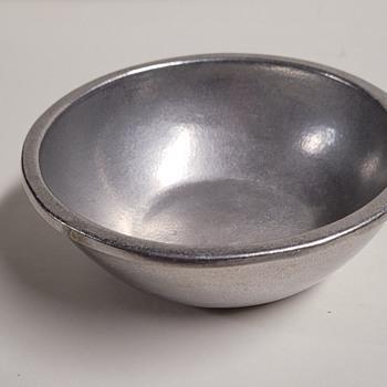 "5"" Wilton Armetale Bowl - Kitchen"
