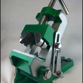 Drill Press Angle Vise with Movable Jaws - Tools and Hardware