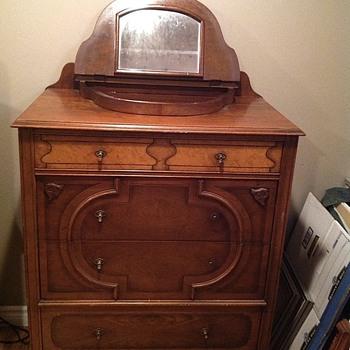 mans dresser with built in valet - Furniture