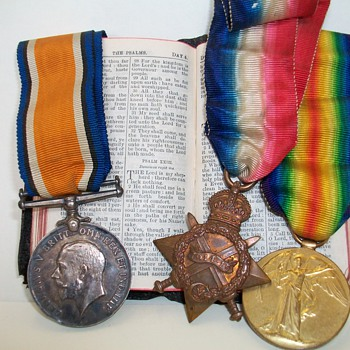 World War 1 Trio of Medals +Common Prayer Bok - Military and Wartime