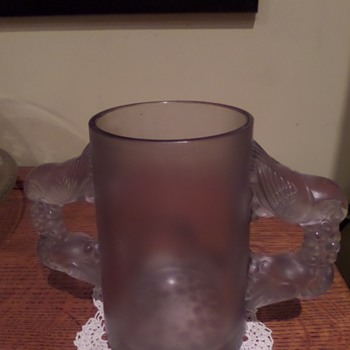 "Art Deco, R Lalique ""Sylvia"" vase. Missing its lid."