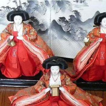 The Empress' Handmaids