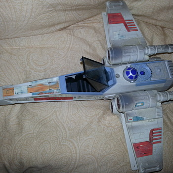 1995 Star Wars R2D2 X Wing Fighter Jet - Toys