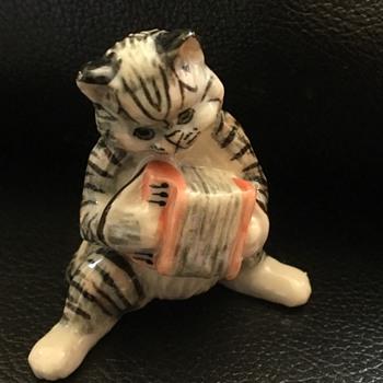 Cat figure  - Animals