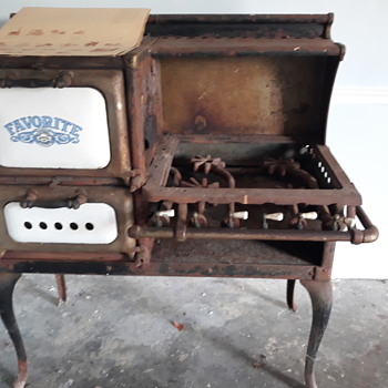 Antique favorite stoves and ranges - Kitchen