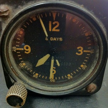 Army Air Corp airplane clock? - Military and Wartime