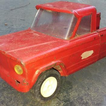 old TONKA Jeep pickup truck - Model Cars