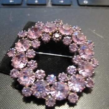 KRAMER Alexandrite Wreath Brooch - Costume Jewelry