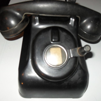 "western electric phone, non rotary, has a generator-type ""spinner"""