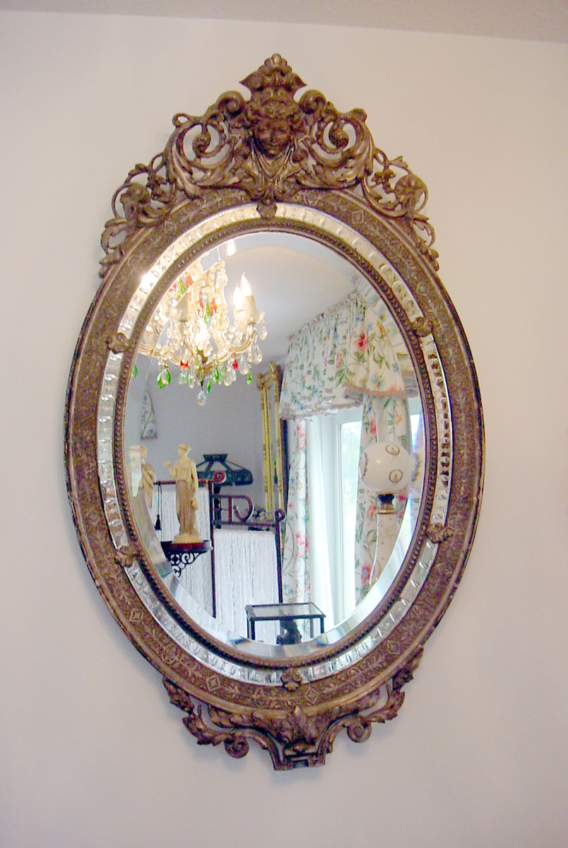 Perfect Antique Gilt Sterling Silver Oval Wall Mirror w Queen Cameo Hand  CH39